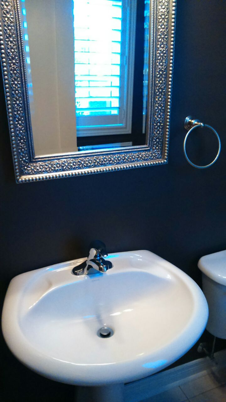 Clean sink in bathroom