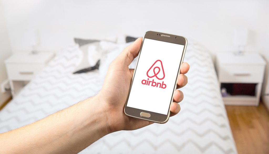 Tips To Avoid Guest Complaints and Bad Reviews on AirBnB for